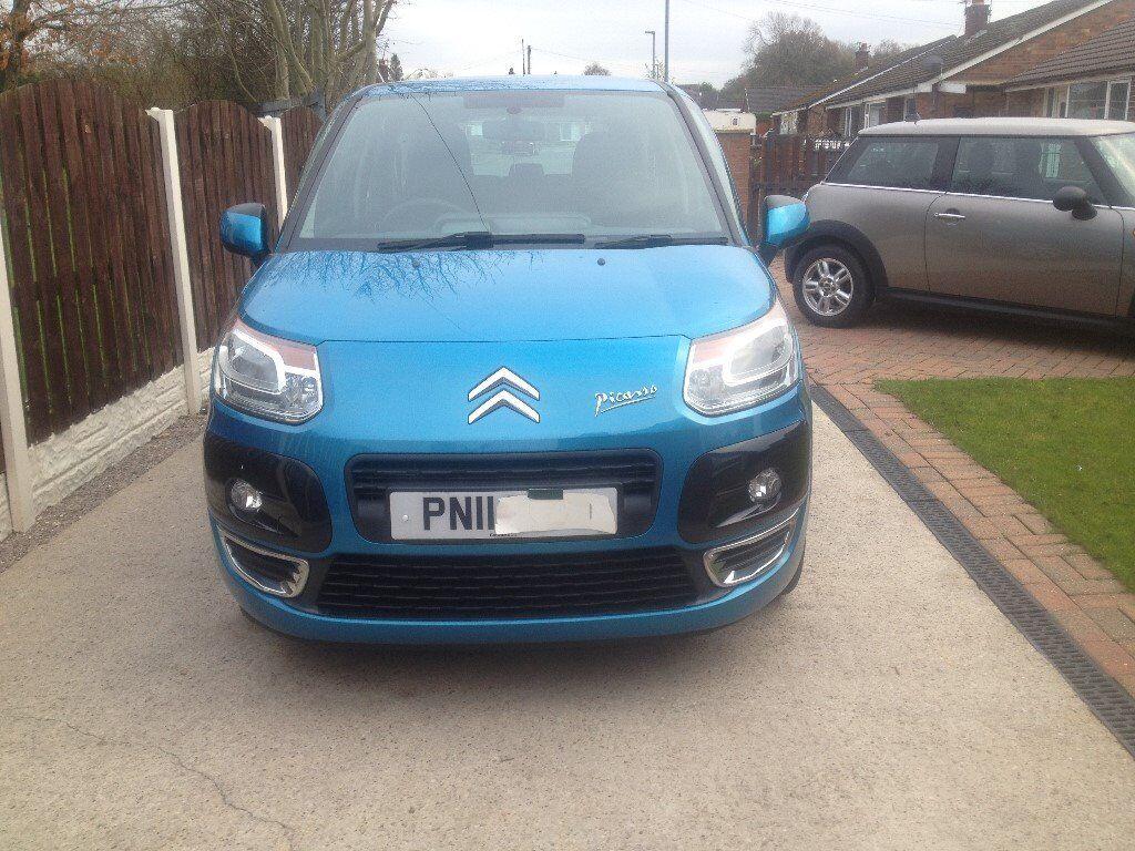 i have had the car from new it has f/S/H long m.o.t 2 sets of keys