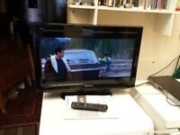 panasonic 26 inch hd tv with built in freeview, remote and manual (2)