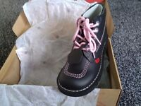Kickers Original Black Boots Limited Edition size 4