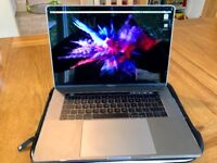 MacBook Pro 2017 15inch 2.7 GHz intel core i7 16GB 516SDD with touch bar