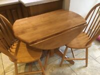 Dining/kitchen drop leaf table in solid wood and 2 chairs