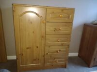 Solid Pine 5 Drawer Chest Unit & 2x 5 Drawer Units.