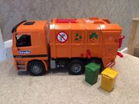 Big recycling lorry toy