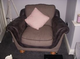 GREY THREE SEATER 2 CHAIRS EXCELLENT