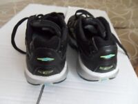 TRAINERS [used] size 4