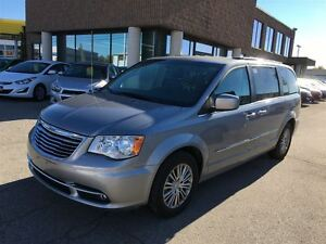 2014 Chrysler Town & Country TOURING L, LEATHER, PWR SLIDING DOO