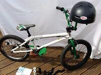 BMX BIKE MONGOOSE DIAGRAM 2010 + BELL HELMET - HARDLY USED, SEE PHOTO'S