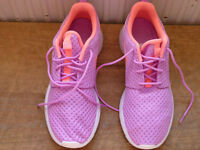 LADIES SIZE 6 PURPLE & PINK NIKE TRAINERS BRAND NEW