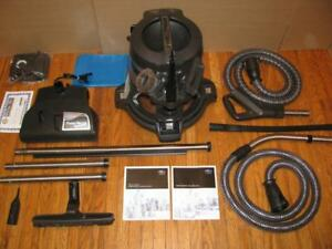 RAINBOW E2 2 SPEED HEPA VACUUM BARELY USED / LIKE NEW + 5 YEAR WARRANTY BY GREENVACS  PARIS / BRANT ONTARIO CANADA
