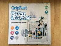Grip fast~Trip Free Safety Gate~New