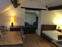 Open plan apartment in a converted barn 10 mins to Macclesfield train station. 1.75 hours to Euston,