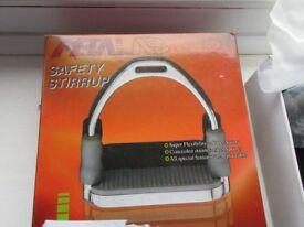 """Metalab 4 3/4"""" (12cm) safety stirrups BNIB"""