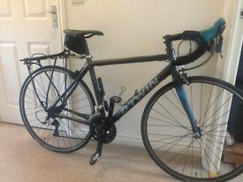 Triban 500 road bike - size medium 54
