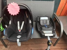 Car seat with iso fix base and rain cover