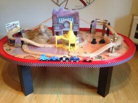 Cars Lightning Mcqueen race track and table