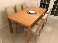 Excellent Condition Solid Oak Dining Table and 6 Chairs