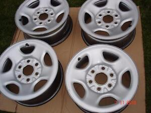 "4 - Chev or GMC 1500 Silver steel OEM 16""x 6 bolt rims / no tires"
