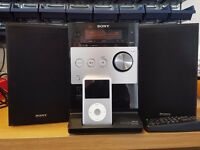 SONY CMT-FX300i HI-FI RADIO CD IPOD DOCK EXCELLENT CONDITION WITH SPEAKERS & REMOTE CONTROL