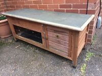 @LARGE RABBIT OR SMALL ANIMAL HUTCH@