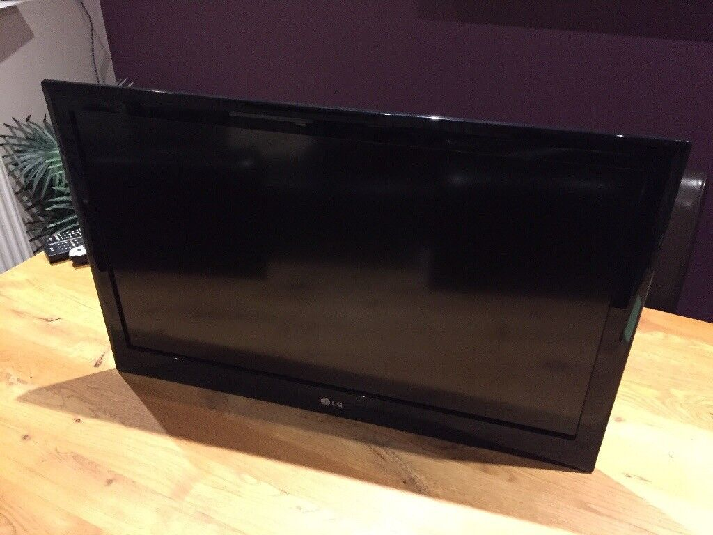 Lg 32 Inch Led Tv With Wall Bracket No Stand In Livingston West