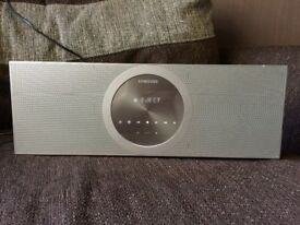 iPod docking station/CD/dvd combo speaker