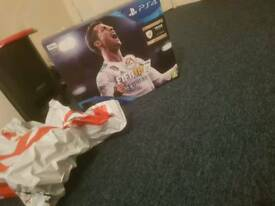 Ps4 slim fifa 18 bundle a day old In perfect condition