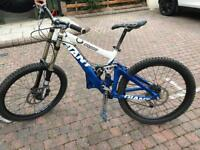 Giant Glory DH bike