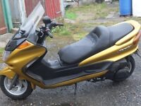 YAMAHA MAJESTY SCOOTER 250cc VERY LOW MILEAGE NEW MOT NEW BATTERY EXCELL CONDITION BIKE