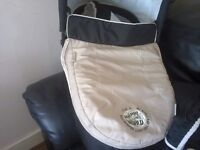 Carry cot and matchin car seat