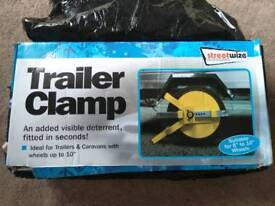 Wheel clamp for trailer