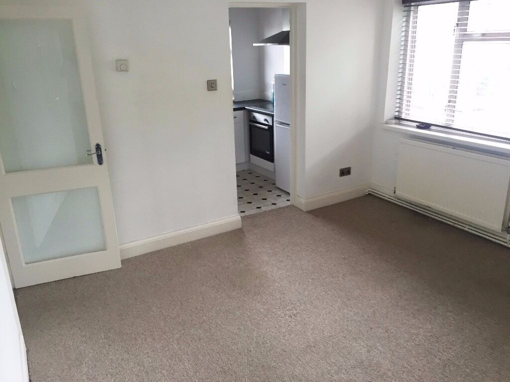 Lovely one bedroom flat in bushey available now!