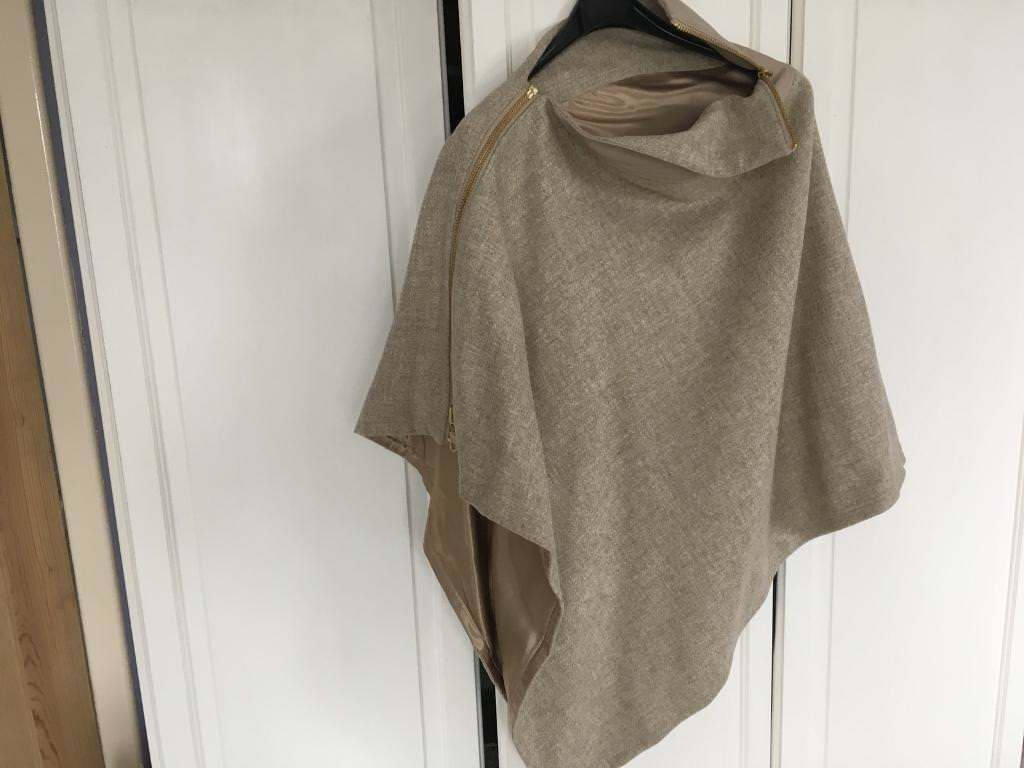 Holland Cooper wool wrap - one size NEW