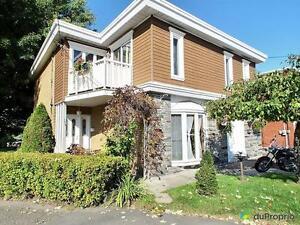269 500$ - Duplex à vendre à Granby