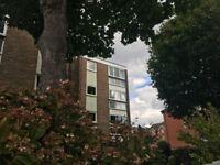 Beautifully refurbished top floor 2 bedroomed flat