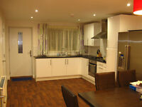 Postgraduate or professional A LUXURY Double ROOM TO LET IN NEW HOUSE FALLOWFIELD, Bills Included