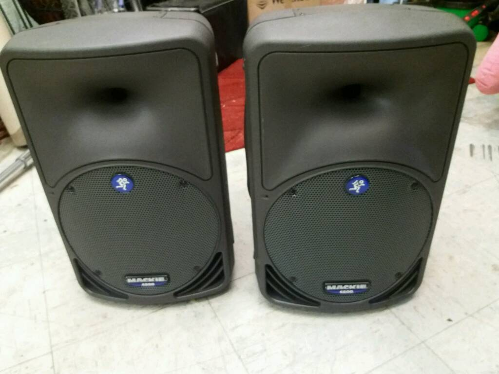 Mackie c200 passive speakers with covers
