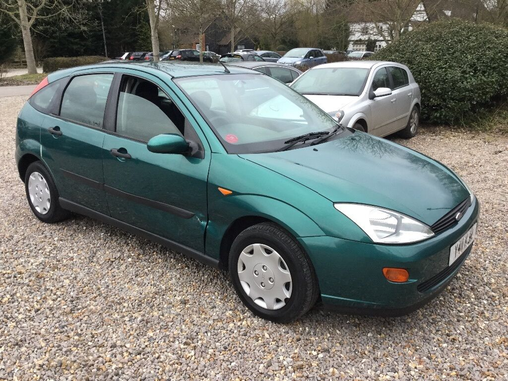 Ford Focus LX 1596cc Petrol 5 speed manual 5 door hatchback Y Reg 2001 Green