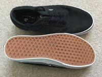 Vans men's size 8 black lace up pumps plimsolls trainers *new