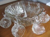 Vintage Pressed Glass Punch Bowl with Glasses & Ladle - Ideal for Summer Party