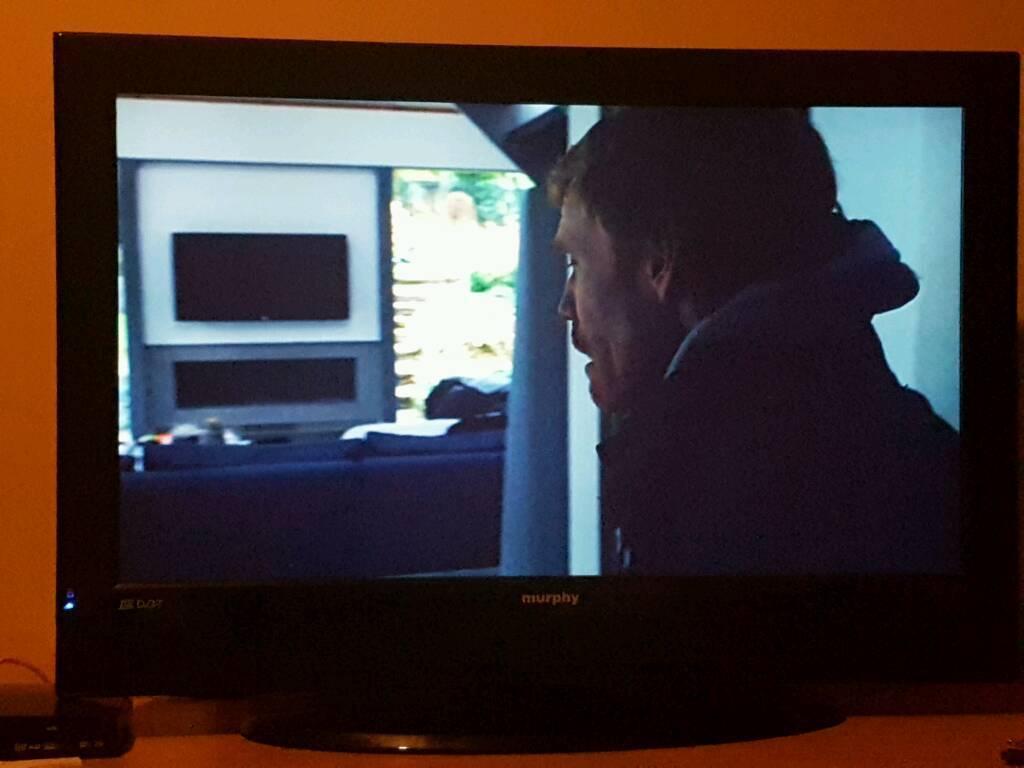"32"" HD LCD TV"