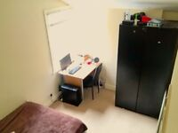 Bright Double Bedroom in flat share