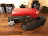 Capezio Tele-Tone Tap shoes size 3 in like new condition