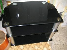 FREE: TV Stand