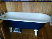 Victorian cast iron bath, not perfect, needs removing from bathroom upstairs