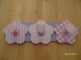 Pink and purple wooden flower/heart hooks