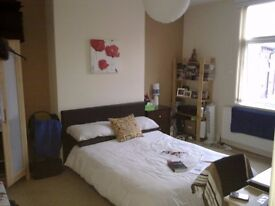 Excellent large room. Fully furnished. Includes all bills