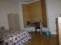 En-Suite Double Room In A Beautiful House Near Upton Park/East Ham