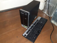 OLD HP SLIMELINE PC WITH KEYBOARD AND MOUSE