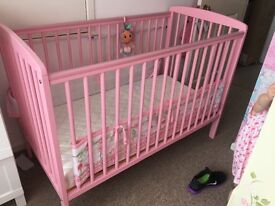 Pink cot with mattress and breathable bumper