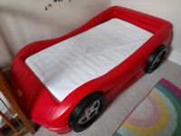 Racing car bed for toddler